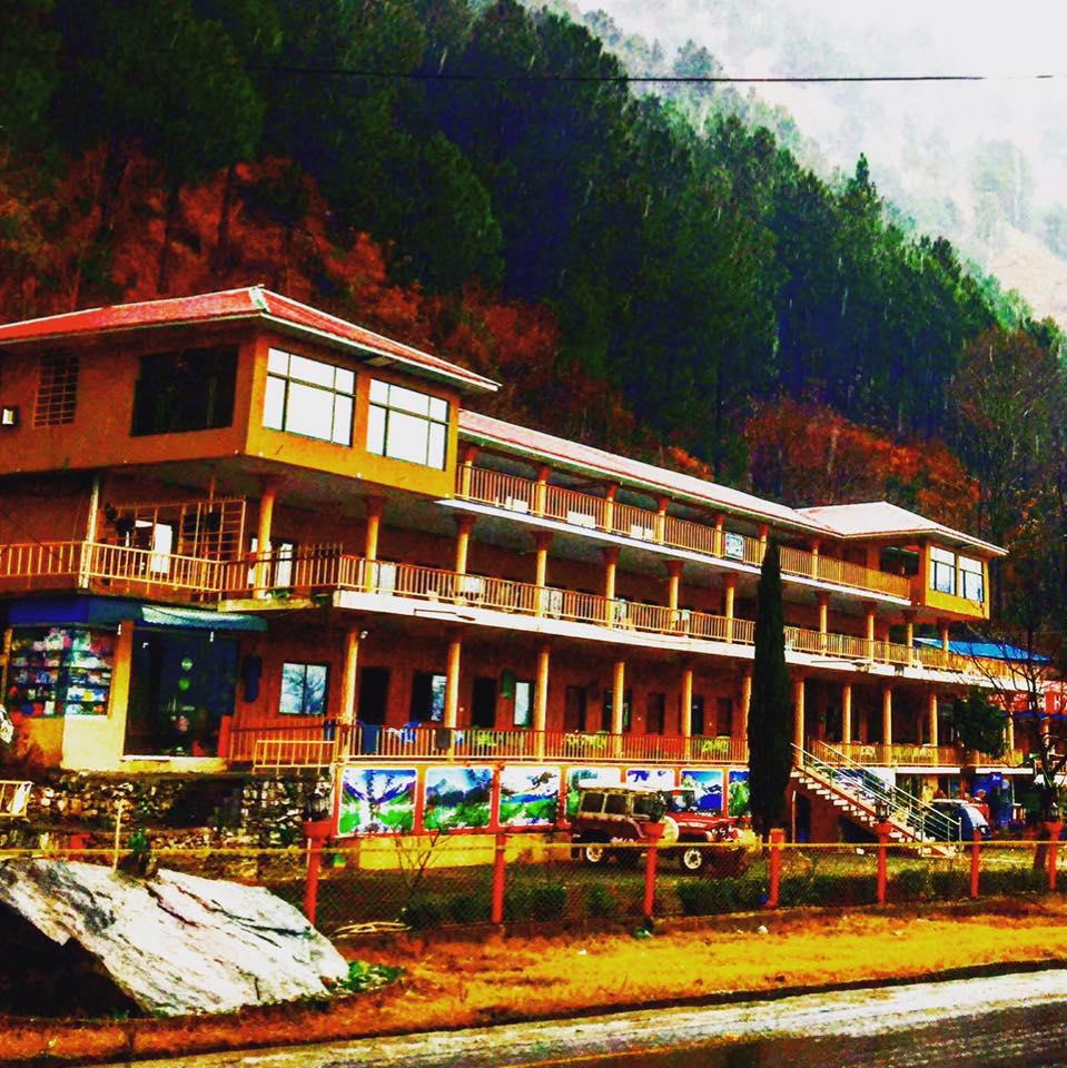 Pine track hotel